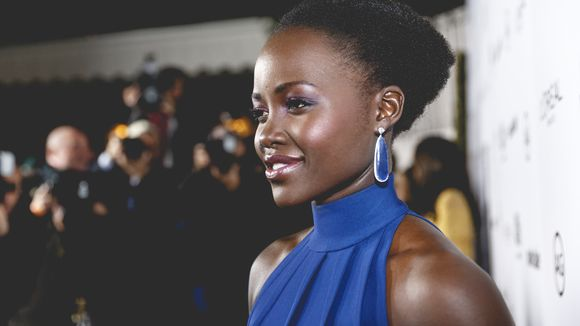 "Lupita Nyong'o Looks Beautiful At The Premiere Of ""Queen Of Katwe"" Rocking An Elie Saab Dress & Headwrap"