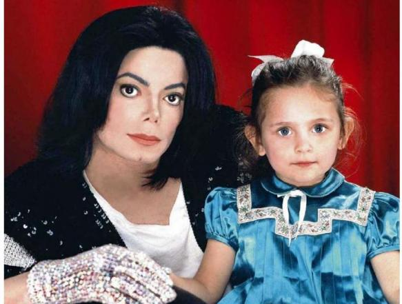 paris-and-her-father-michael-jackson-paris-jackson-34134121-583-441