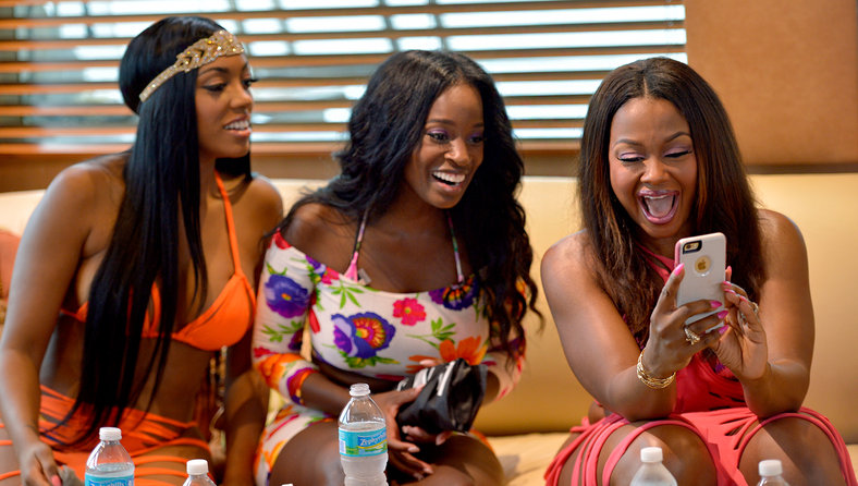 the real housewives of atlanta crew was on deck to tape shamea mortons bridal shower the shower was tea party themed and all the ladies looked lovely in