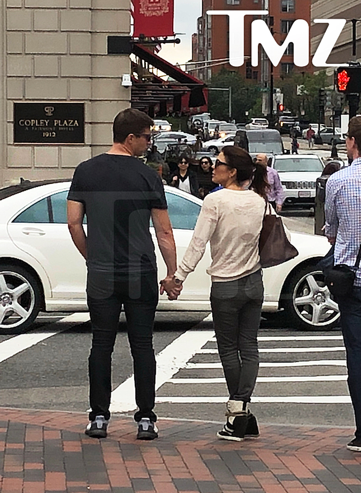 bethenny-frankel-spotted-with-mystery-man-boston